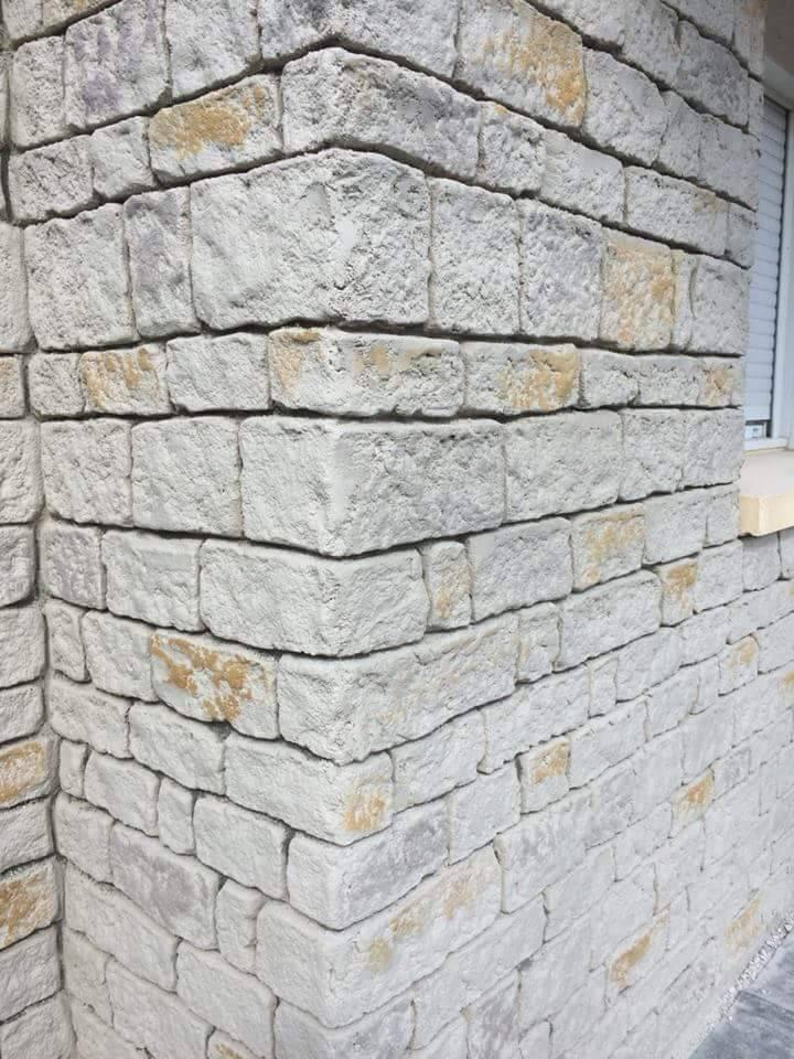 Rénovation De Façade Avec Enduit Imitation Pierre Sur La
