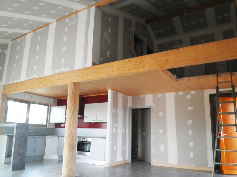Les tapes de la construction d 39 une maison en bois for La finition d une maison