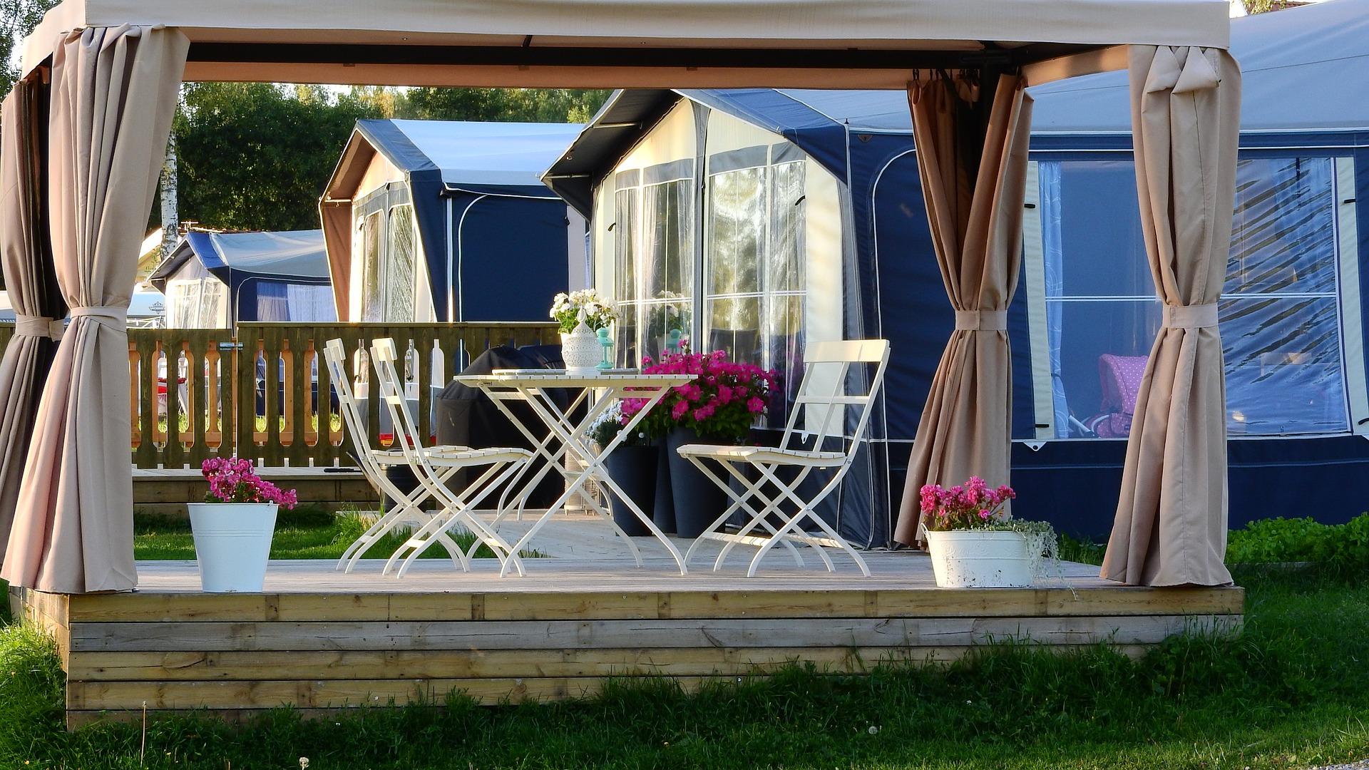 qu 39 est ce qu 39 une v randa bioclimatique mobilier d coration architecture c t tendance en. Black Bedroom Furniture Sets. Home Design Ideas