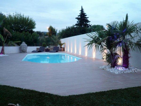 Construire une piscine enterr e ou hors sol marseille et for Entretien piscine marseille
