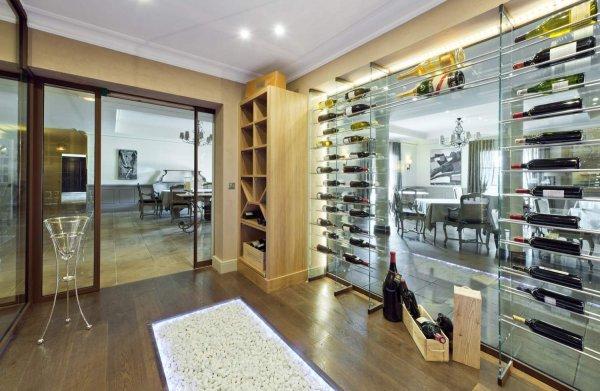 comble du luxe une cave vins sur mesure mobilier d coration architecture c t. Black Bedroom Furniture Sets. Home Design Ideas