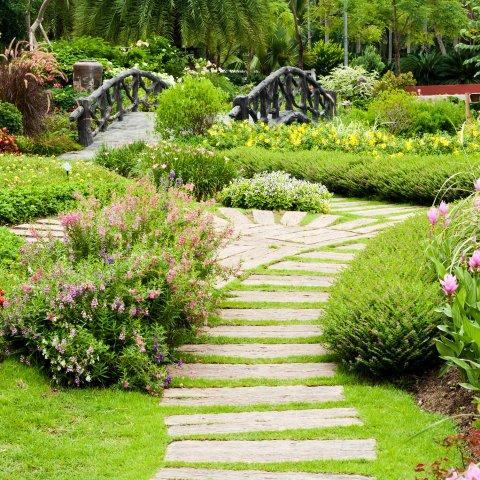 Am nagement d 39 espaces verts toulouse jardins du sud for Amenagement espace vert